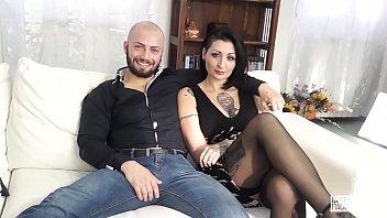CASTING ALLA ITALIANA - Sesso violento per l'italiana Lady Muffin e un cazzone Vorschaubild