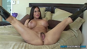 Pornstar sheila marie milfs like it big - Assfucked housewife cheats on her husband