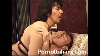 Porn granny video Italian mature sexy video porn - matura italiana asseta di cazzo