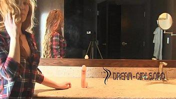 Redhead Bathroom Dildo - 69VClub.Com