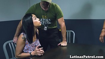 Handcuffed latina cockriding US border patrol
