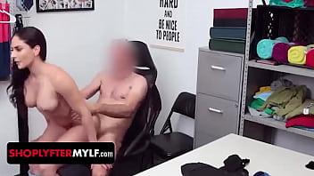 Hot Mom Sheena Ryder Having Sex thumbnail
