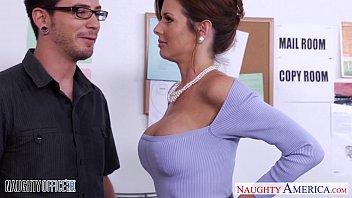 Stockinged Veronica Avluv fuck in the office porno izle