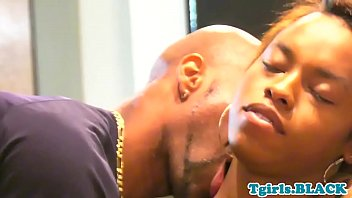 Ts babe anally spitroasted in threesome