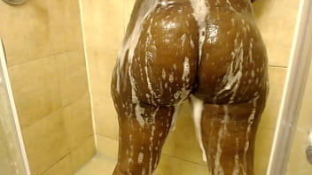 Thick Ebony Bubble Butt In The Shower