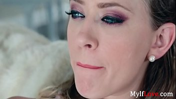 MOM sticks her tits out to seduce SON- Kagney linn karter