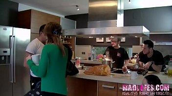 En la cocina Salva y Alba lo dan todo