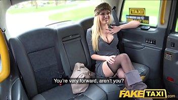 Fake Taxi Busty blonde MILF Amber Jayne sucks and fucks big taxi cock Vorschaubild