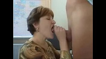 mature mother loves young boy blowjob pussyfucking oldandyoung