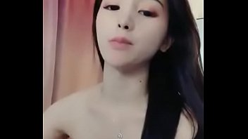 蜜桃臀女友 1