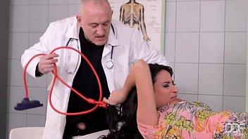 Bondage klinik - Beautiful french girl fucked good in clinic pt. 1