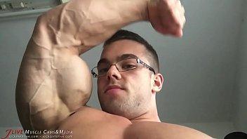 Gay bodybuilder personals - Sexy sven bodybuilder worship