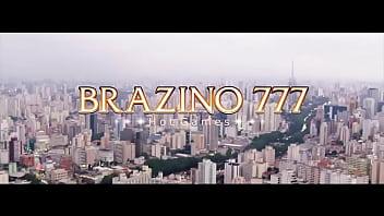 Anuncio da Brazino777 com peitudas
