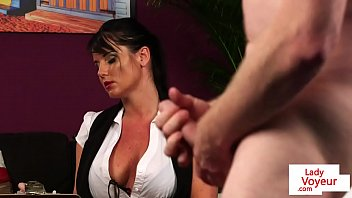 Streaming Video British milf voyeur instructs her sub to jerk - XLXX.video