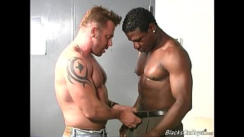 Finding black and white gay male couples - Muscular white guy makes love with a black man