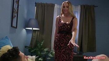 Femdom Porn With Horny Stepmom Vorschaubild