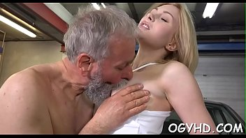 Olf fart bonks face hole of a young gal dicksucking best-blow-job-videos hot-girl-fucking