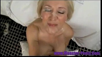 Milfs and Cougars Who Love to Eat Cum Facials