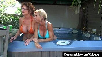 Busty Cougars Deauxma & Brook Tyler Eat Pussy On Cam! Vorschaubild