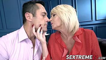 Hardcore blonde Milf Amy teaches stud big cock fucking