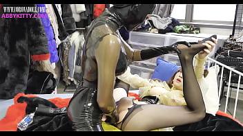 Shemale in latex yhumbs Latex fetish -mistress nana use dildo insertion abbykitty