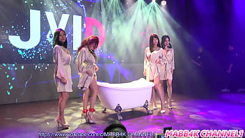 公众号【福利报社】JKF维纳斯之夜感謝季4位超诱惑美女脱衣秀泡泡浴