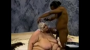 SSBBW HAS HER HEAD SHAVED