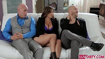 Pornwebgames, Slutty Wife Reena Sky Gets Slammed thumbnail