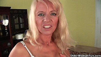 Old people dildos Sultry senior mom probes her old pussy with a large dildo