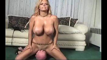 Maiden 's  Cuch Wants Sex