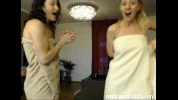 2 girls long webcam show