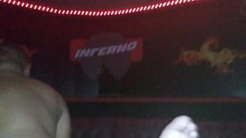 Lulú bombeada en Gang Bang Club Inferno