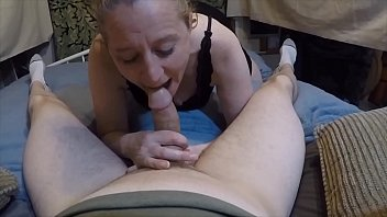 Good mourning blowjob she gets face covered in cum soon as she wakes up