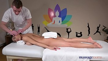Massage Rooms Tiny Thai Beauty Poopea Oiled Up Fucked And Squirting
