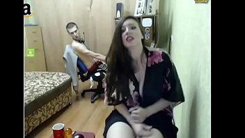 Horny Girlfriend masterbate while boyfriend is gaming - sluttycamshow.com