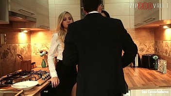 VIP SEX VAULT - Naughty FFM Threesome With Swinger Couple (Sicilia & Dolly Diore)