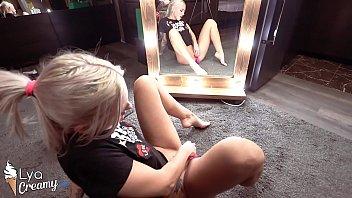 Sexy Blonde Masturbate Vagina Sex Toys at Mirror - Intensive Orgasm صورة