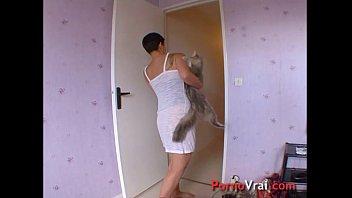 Short sex clips french women - Elle se masturbe en fantasmant sur lui french amateur