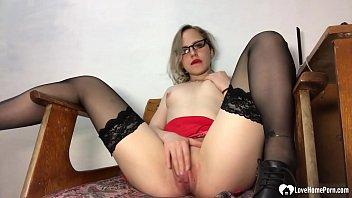 Kinky secretary in stockings pleasures her juicy cunt