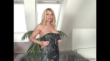 Pussy hair dye Deep pussy and ass fucking with a mom