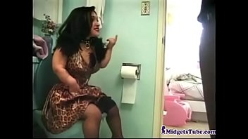 Girls fucking bizarre people - Midget bathroom fuck