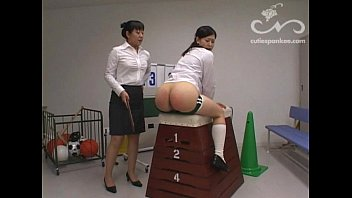 Spankee Vaulting-Box Locker-Room 1/2