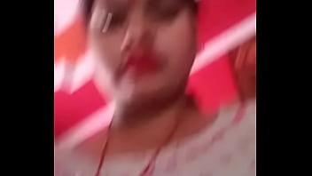 Hot Bhabhi show pussy