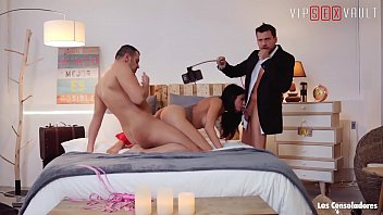VIP SEX VAULT - Two Couples Are Having A Good Time On A Swinger Party (Sicilia & Julia De Lucia)