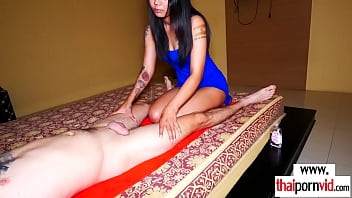 Dude gets a sensual massage and a hot blowjob by amateur Thai Na