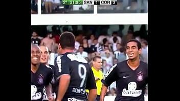 Ronaldo gordão estrupando o Santos na final do paulista de 2009