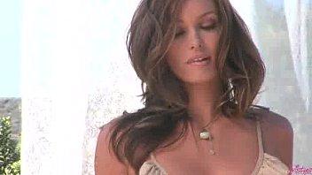 || www.DearSX.com || - Heather Vandereven Rubs Her Pussy