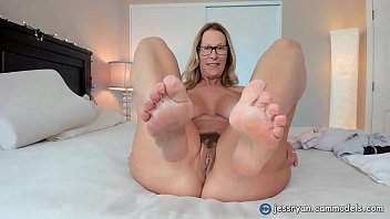 Hot Milf Jess Ryan Rides BBC porno izle