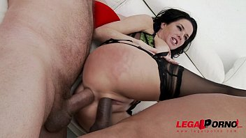 American MILF Veronica Avluv no holes barred super squirt session Vorschaubild