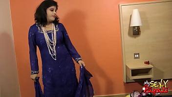 sexy indian babe rupali bhabhi boobs babe desi